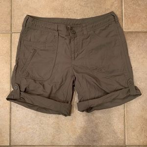 The North Face Women's Shorts Size 6